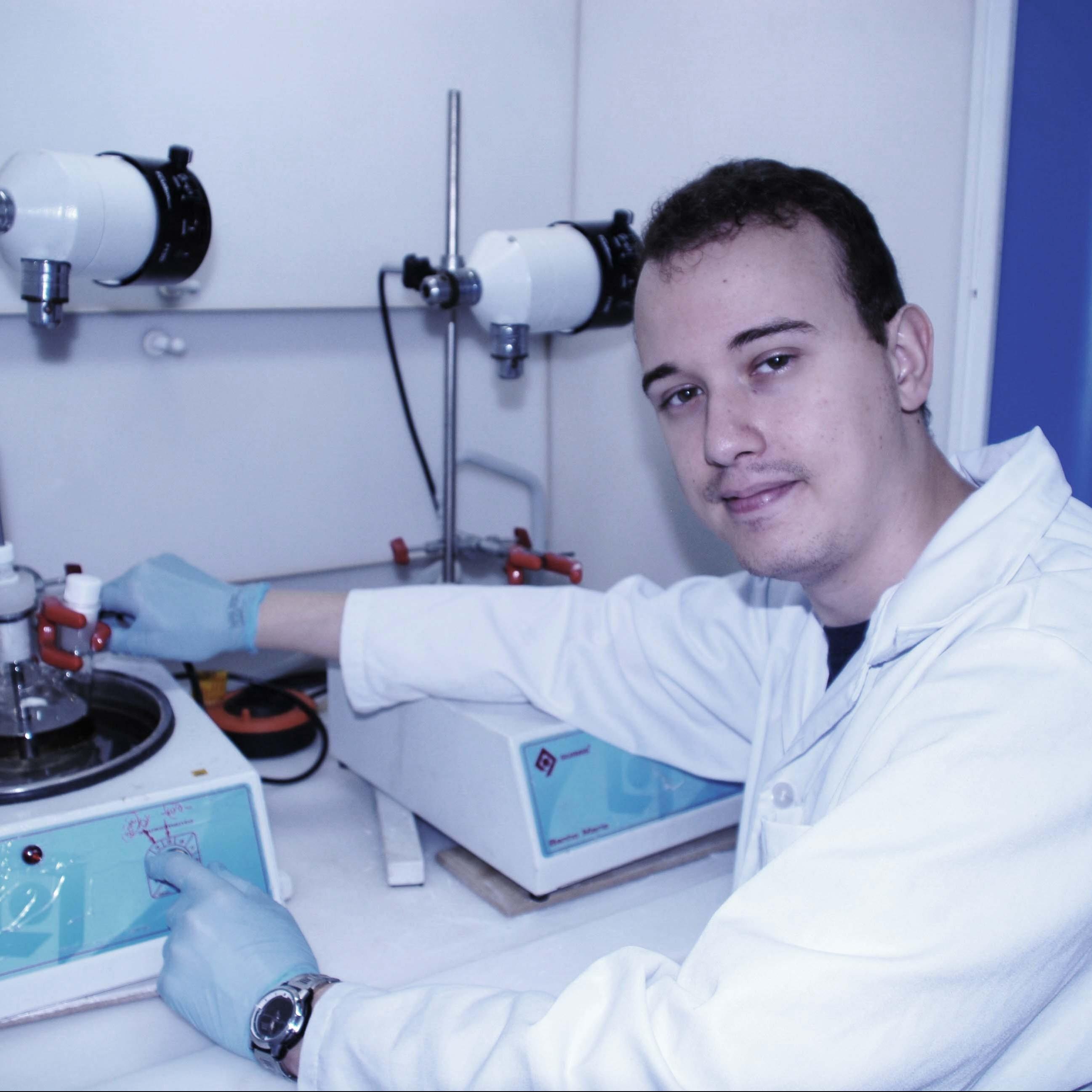 Prof. Dr. Raphael Rodrigues
